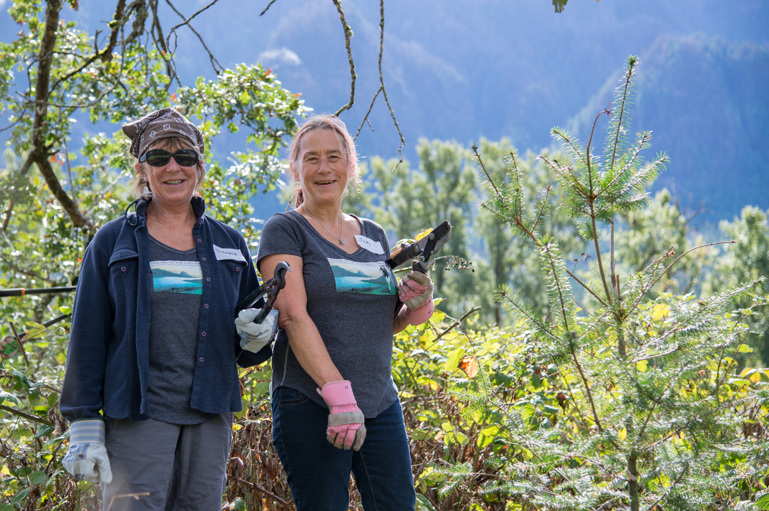 Stewardship Sisters Grow Roots in the Gorge
